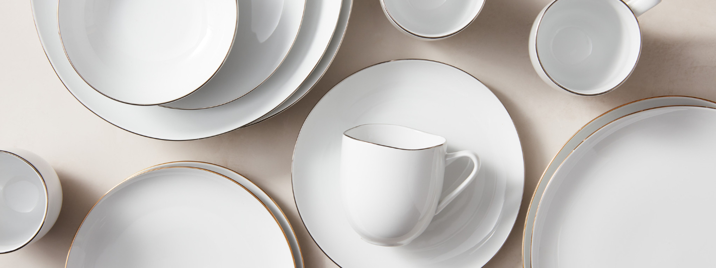 organic shaped metallic rimmed dinnerware collection