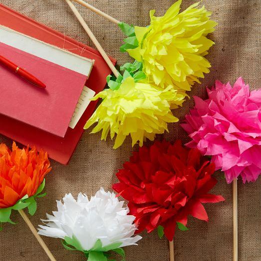 Wonderful DIY Paper Dahlia Wreath | 523x523